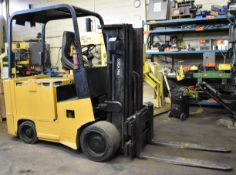 """YALE ERC080HBN36SE075SR 36V ELECTRIC FORKLIFT WITH 8000LB CAPACITY, 155"""" MAX. LIFT HEIGHT, 3 STAGE"""