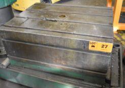 """33""""X42""""X20""""H T-SLOT BOX TABLE, S/N: N/A (CI) [RIGGING FEE FOR LOT #27 - $50 CAD PLUS APPLICABLE"""