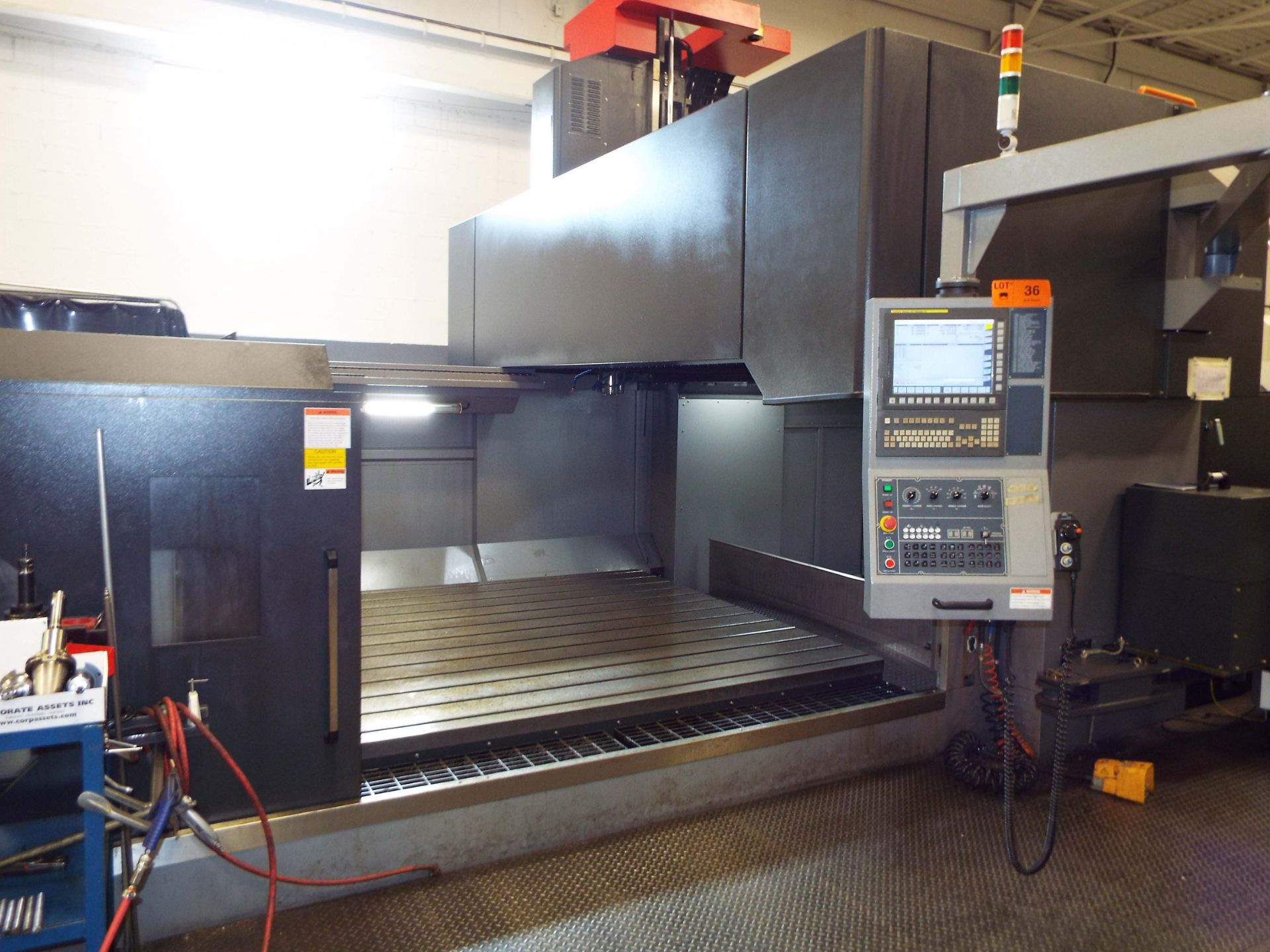 KAFO (INSTALLED NEW IN 2018) BMC-3127 CNC DOUBLE COLUMN VERTICAL MACHINING CENTER WITH FANUC - Image 12 of 13