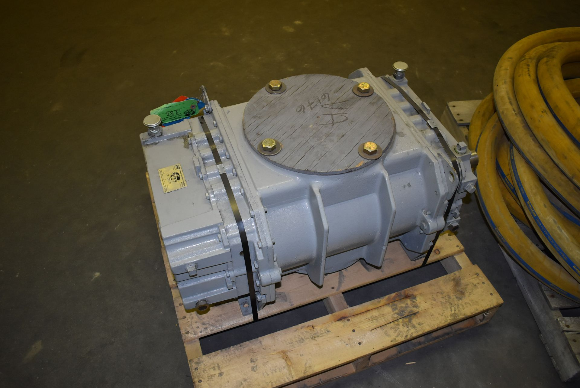 ROOTS MODEL 616 BLOWER (CI) [SKU 1282] [RIGGING FEE FOR LOT #6 - $25 CAD PLUS APPLICABLE TAXES] - Image 5 of 6