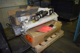 LOT/ MOTOR FRAME, HEAT EXCHANGER & IN-LINE FILTERS (CI) [RIGGING FEE FOR LOT #33 - $25 CAD PLUS