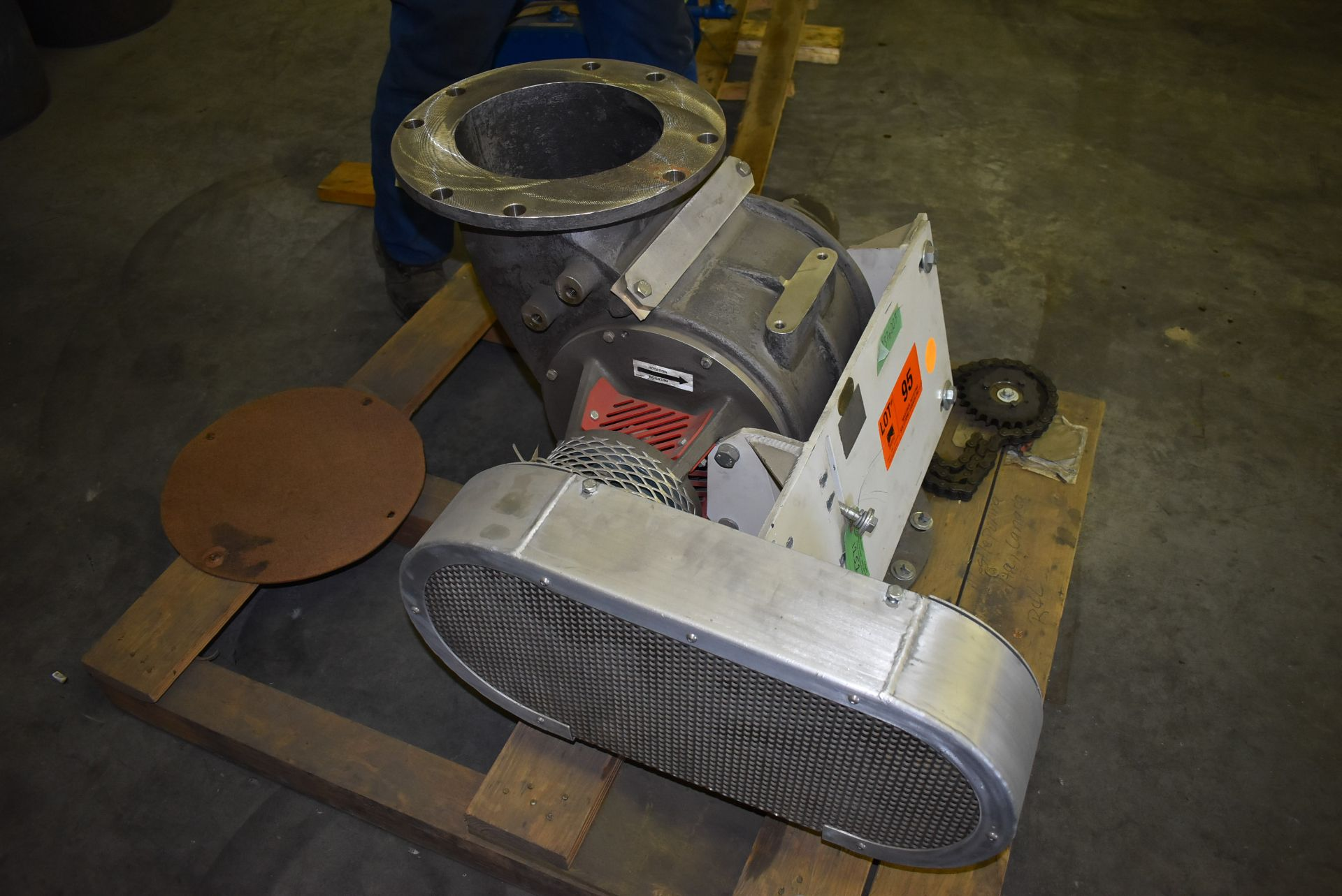MAC ROTARY VALVE MODEL SEA-60 AIRLOCK, S/N: N/A (CI) [RIGGING FEE FOR LOT #95 - $25 CAD PLUS - Image 3 of 7