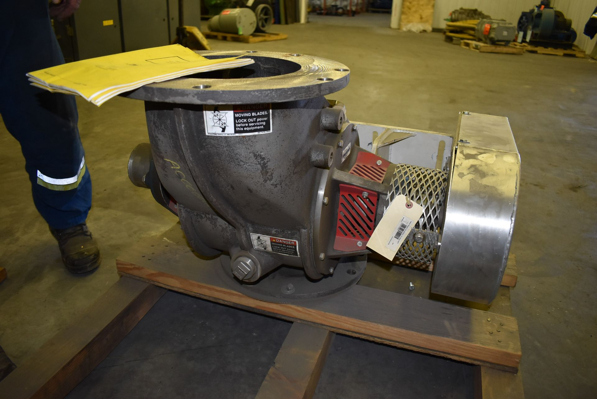 MAC ROTARY VALVE MODEL SEA-60 AIRLOCK, S/N: N/A (CI) [RIGGING FEE FOR LOT #95 - $25 CAD PLUS - Image 7 of 7