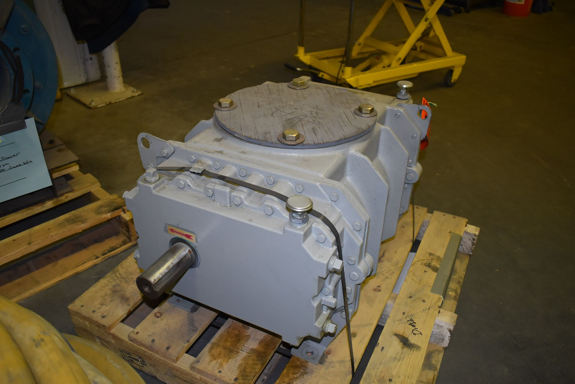 ROOTS MODEL 616 BLOWER (CI) [SKU 1282] [RIGGING FEE FOR LOT #6 - $25 CAD PLUS APPLICABLE TAXES] - Image 6 of 6