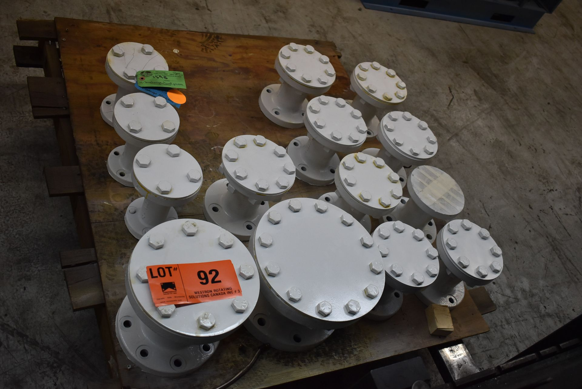LOT/ EXPANSION JOINTS (CI) [RIGGING FEE FOR LOT #92 - $25 CAD PLUS APPLICABLE TAXES]