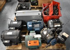 LOT/ SKID OF ELECTRIC MOTORS, BREAKERS WITH ELECTRICAL BOX & LIFTING ACCESSORIES