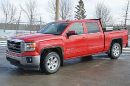 GMC (2015) SIERRA SLE CREW CAB PICKUP TRUCK WITH 5.3-LITER V8 GAS ENGINE, AUTO, 4X4, APPROX. 173,000