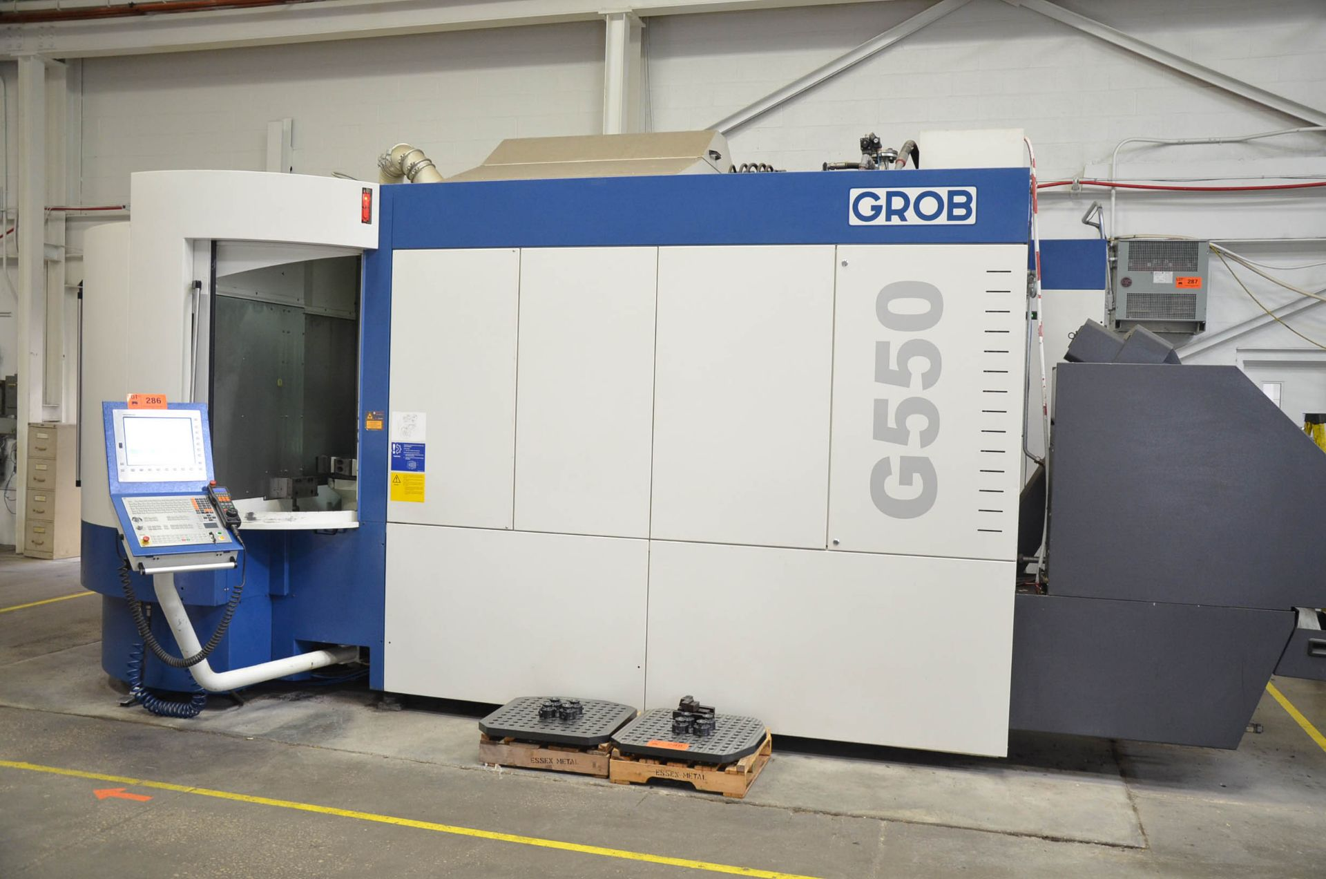 GROB (2014) G550 5-AXIS TWIN PALLET CNC MACHINING CENTER WITH HEIDENHAIN ITNC 530 CNC CONTROL, 24. - Image 2 of 13