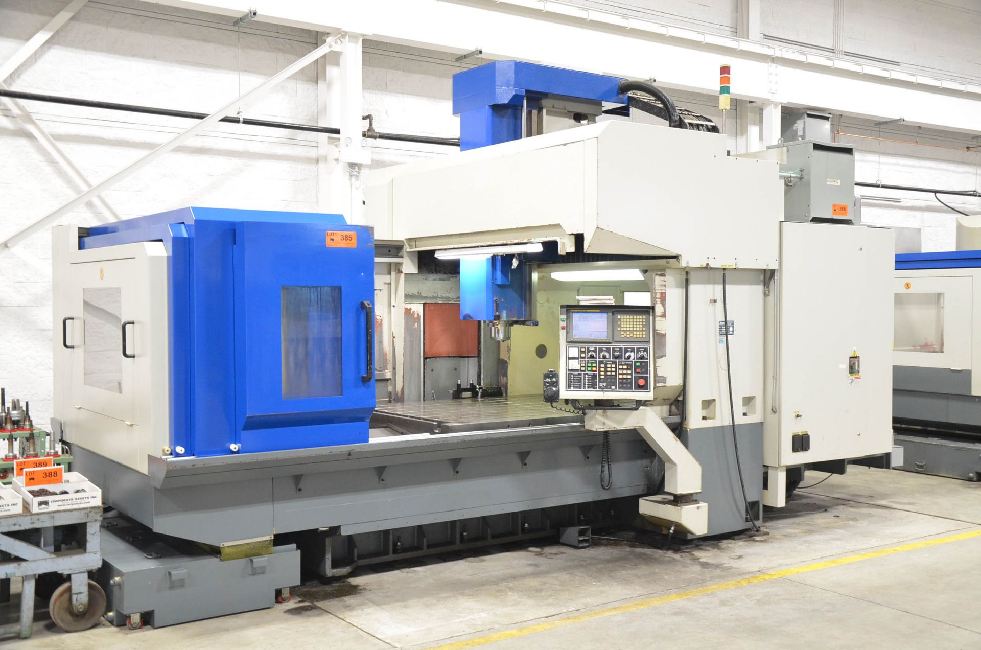 AWEA (2005) SP2016HSS GANTRY-TYPE CNC VERTICAL MACHINING CENTER WITH FANUC SERIES 18I-MB CNC - Image 2 of 11