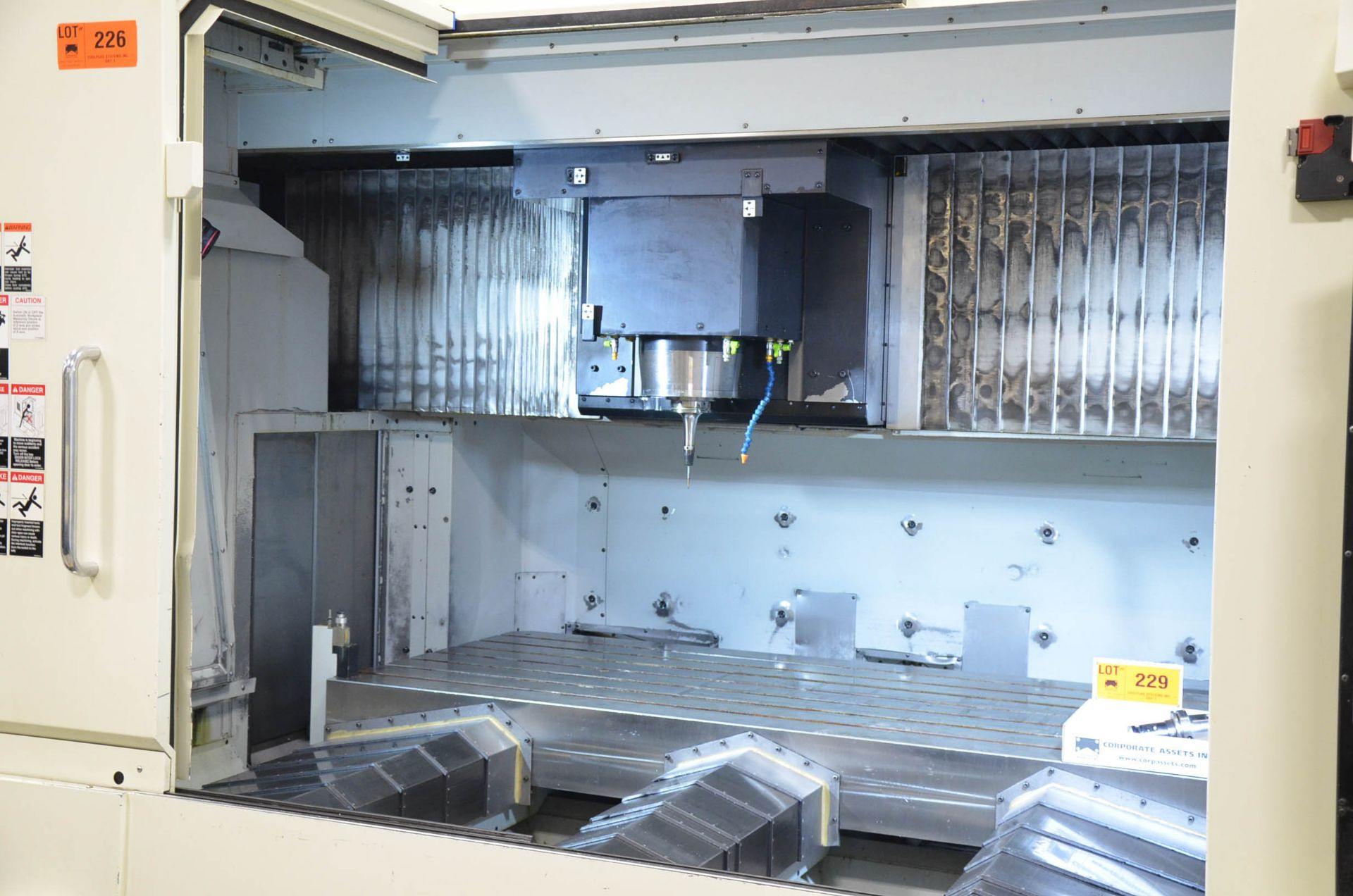 MAKINO (2008) V99L(#50) CNC VERTICAL MACHINING CENTER WITH MAKINO PROFESSIONAL 5 CNC CONTROL, 39. - Image 5 of 12
