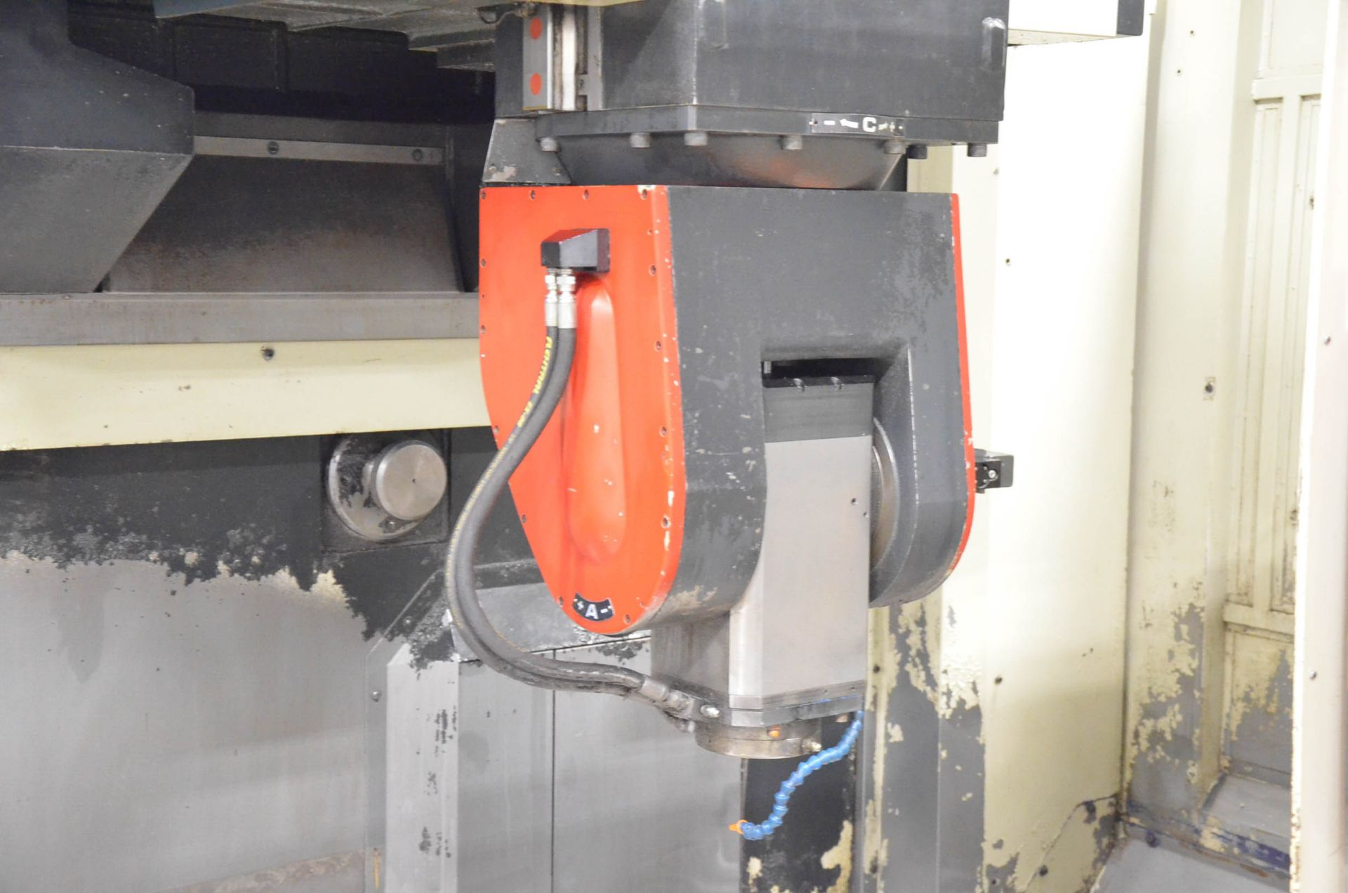 """FIDIA (2002) K 411 5-AXIS CNC VERTICAL MACHINING CENTER WITH FIDIA C20 CNC CONTROL, 59"""" X 197"""" - Image 6 of 11"""