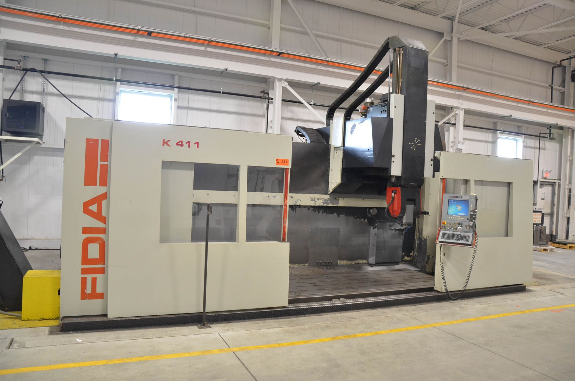 """FIDIA (2002) K 411 5-AXIS CNC VERTICAL MACHINING CENTER WITH FIDIA C20 CNC CONTROL, 59"""" X 197"""" - Image 3 of 11"""