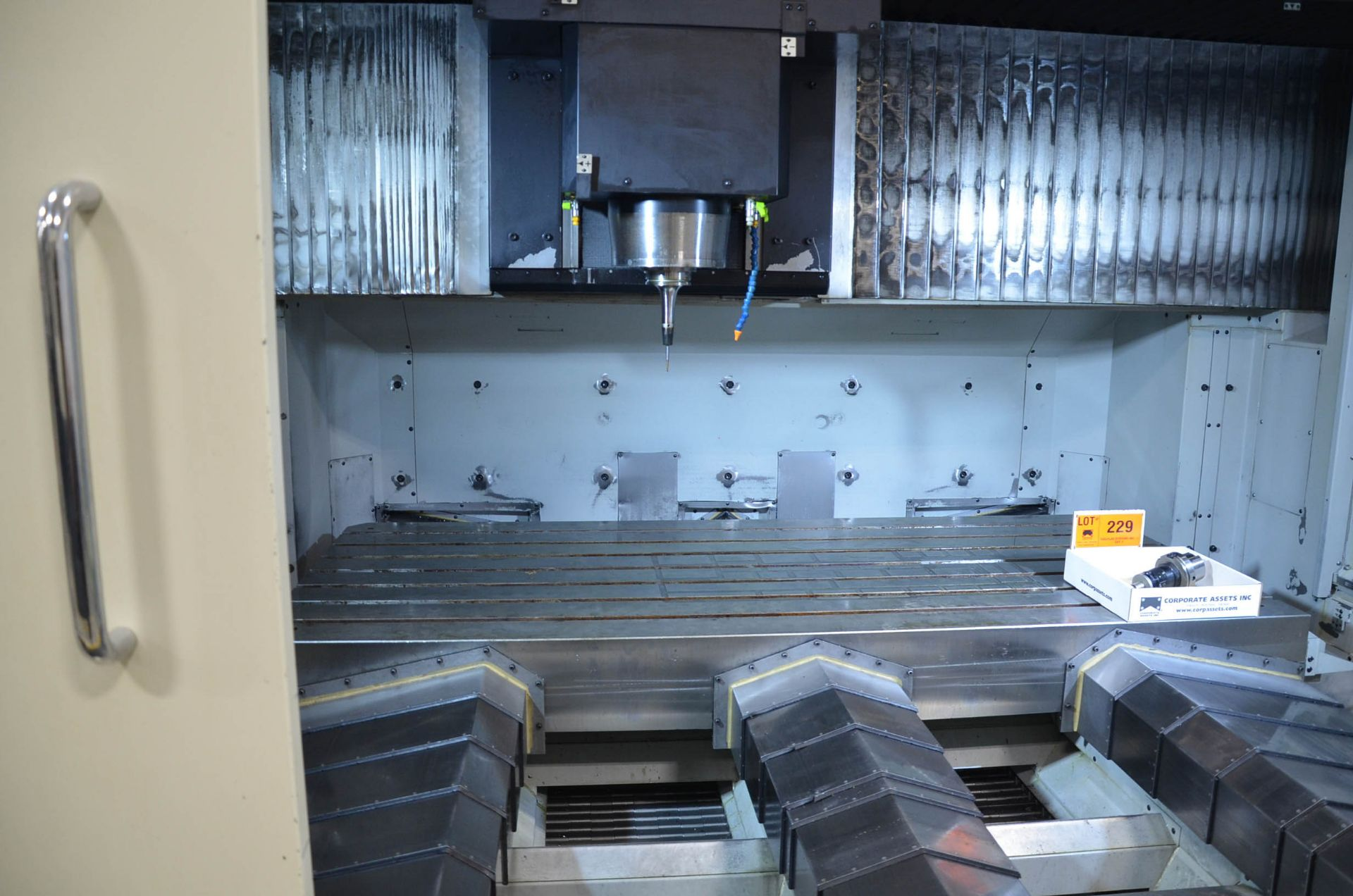 MAKINO (2008) V99L(#50) CNC VERTICAL MACHINING CENTER WITH MAKINO PROFESSIONAL 5 CNC CONTROL, 39. - Image 10 of 12