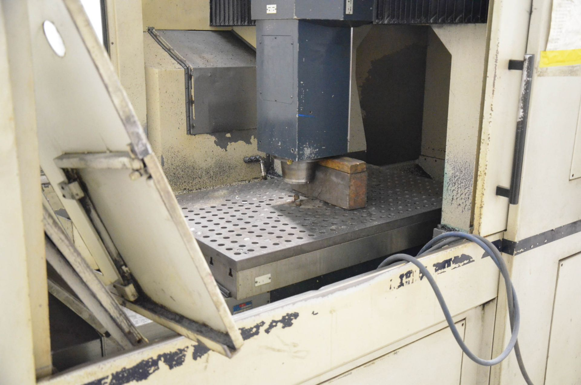 LOT/ SURPLUS MACHINERY AND EQUIPMENT CONSISTING OF PARPAS FAMU (1998) PHS-812 GANTRY-TYPE CNC - Image 4 of 6