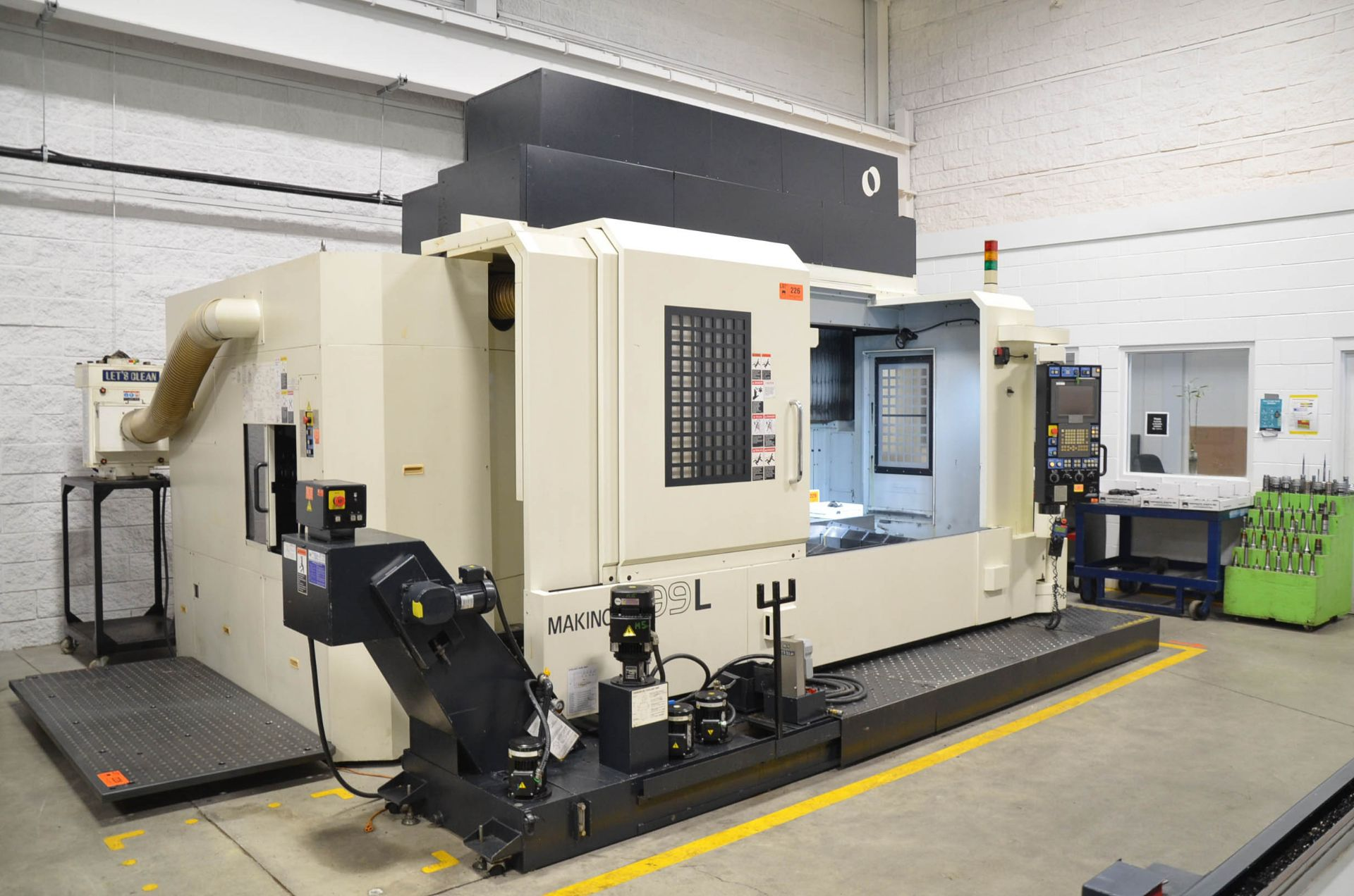 MAKINO (2008) V99L(#50) CNC VERTICAL MACHINING CENTER WITH MAKINO PROFESSIONAL 5 CNC CONTROL, 39. - Image 2 of 12