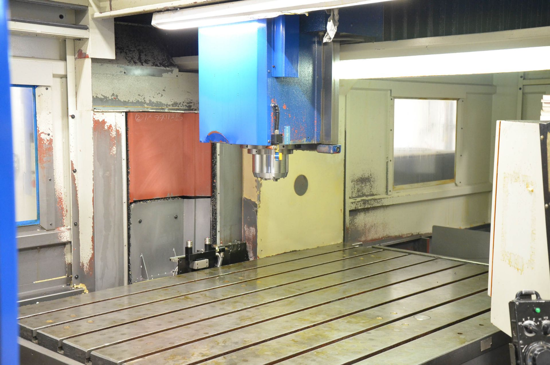 AWEA (2005) SP2016HSS GANTRY-TYPE CNC VERTICAL MACHINING CENTER WITH FANUC SERIES 18I-MB CNC - Image 9 of 11