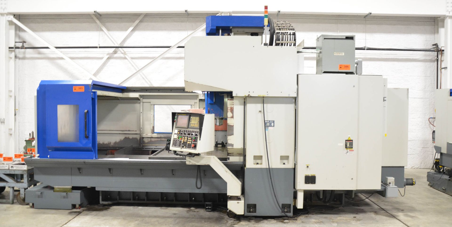 AWEA (2005) SP2016HSS GANTRY-TYPE CNC VERTICAL MACHINING CENTER WITH FANUC SERIES 18I-MB CNC - Image 3 of 11