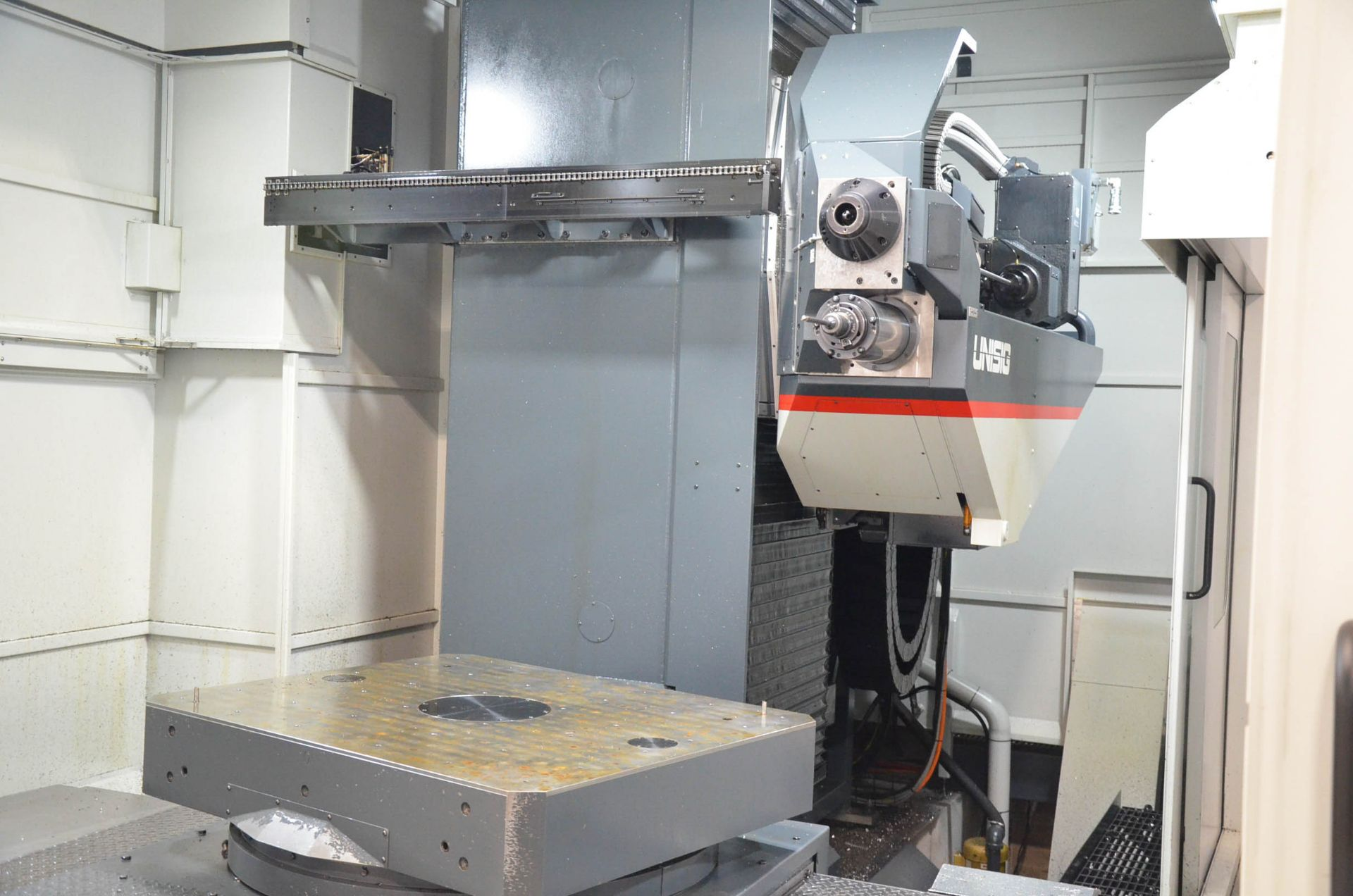UNISIG (2020) USC-M38 5-AXIS COMBINATION CNC GUN DRILLING AND MILLING MACHINE WITH HEIDENHAIN ITNC - Image 10 of 17