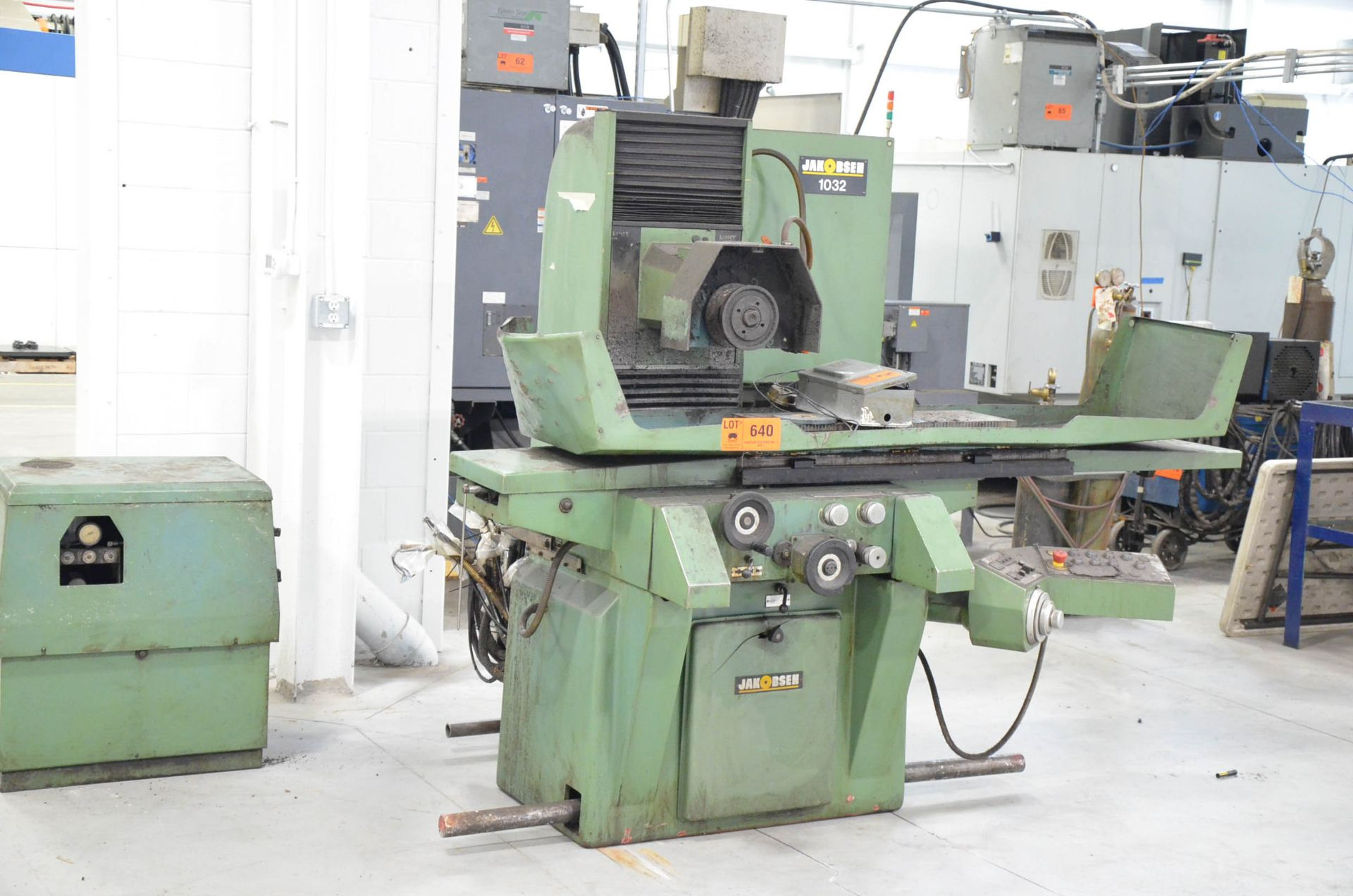 """JAKOBSEN 1032 HYDRAULIC SURFACE GRINDER WITH 10""""X32"""" MAGNETIC CHUCK, 14"""" WHEEL, INCREMENTAL DOWN-"""