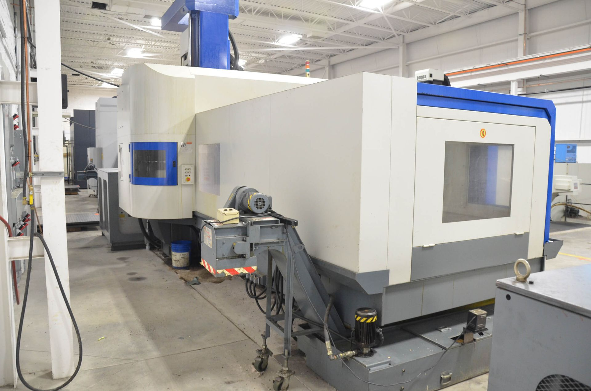 AWEA (2005) SP3016HSS GANTRY-TYPE CNC VERTICAL MACHINING CENTER WITH FANUC SERIES 18I-MB CNC - Image 5 of 12