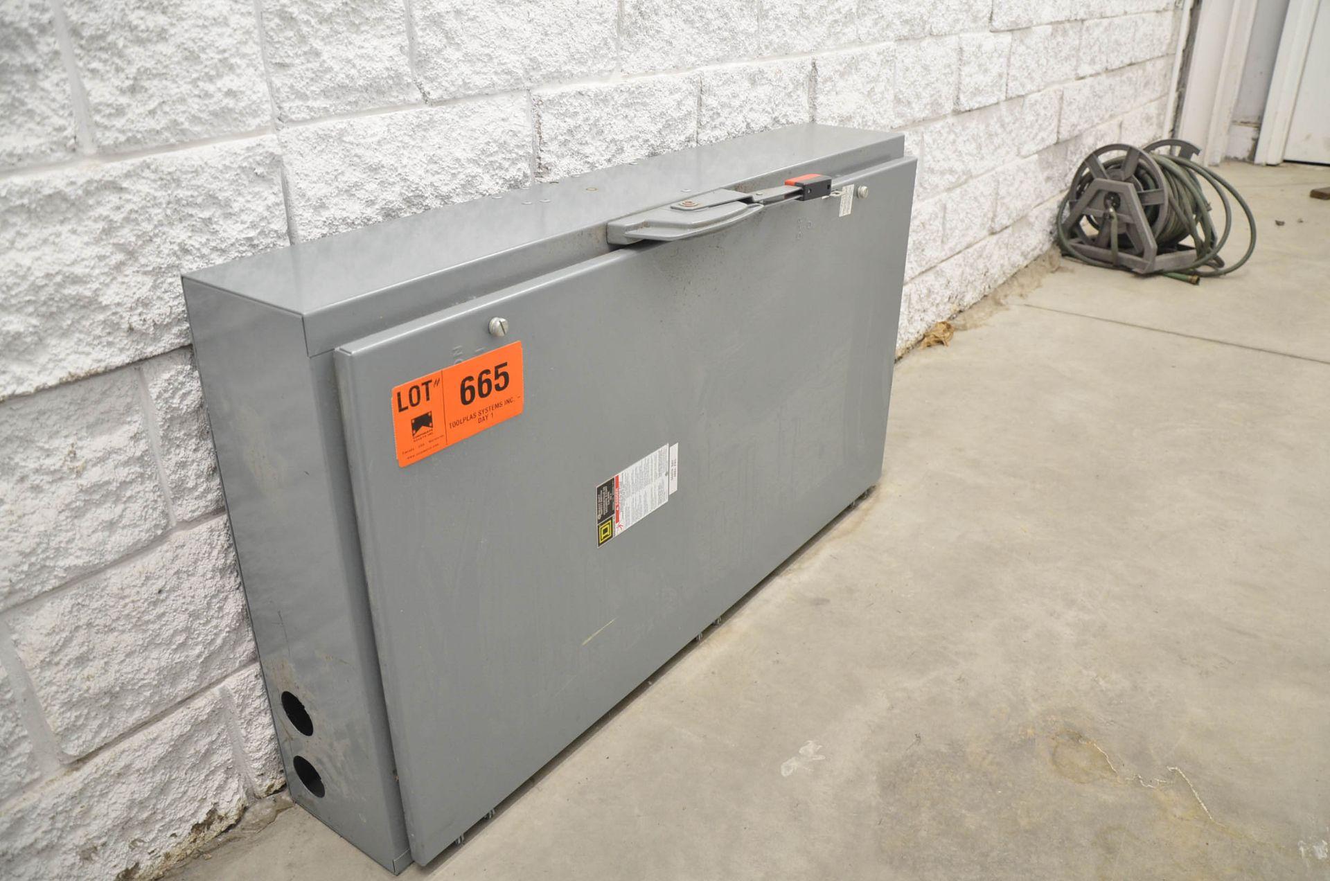 SQUARE -D 200 AMP DISCONNECT BOX