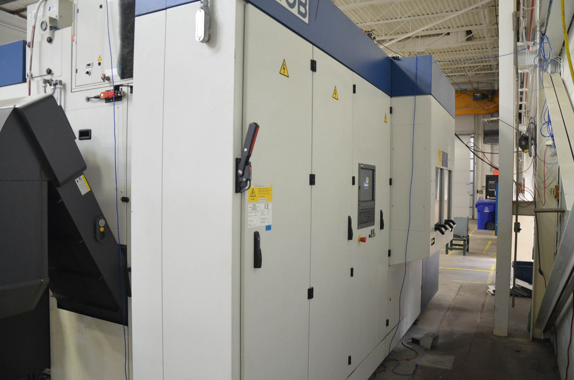 GROB (2014) G550 5-AXIS TWIN PALLET CNC MACHINING CENTER WITH HEIDENHAIN ITNC 530 CNC CONTROL, 24. - Image 7 of 13