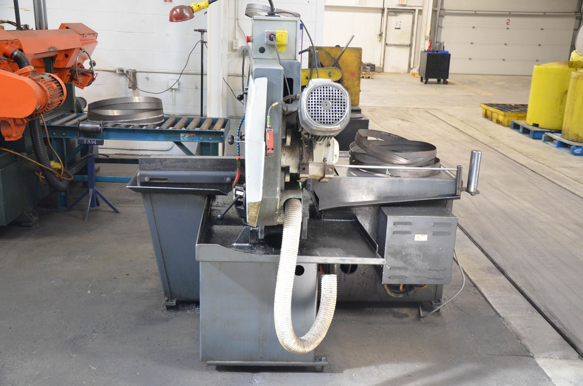 """HYD-MECH S-23 HORIZONTAL BAND SAW WITH 20"""" CAPACITY, HYDRAULIC VISE, COOLANT, CHIP AUGER, 600V/3PH/ - Image 3 of 8"""