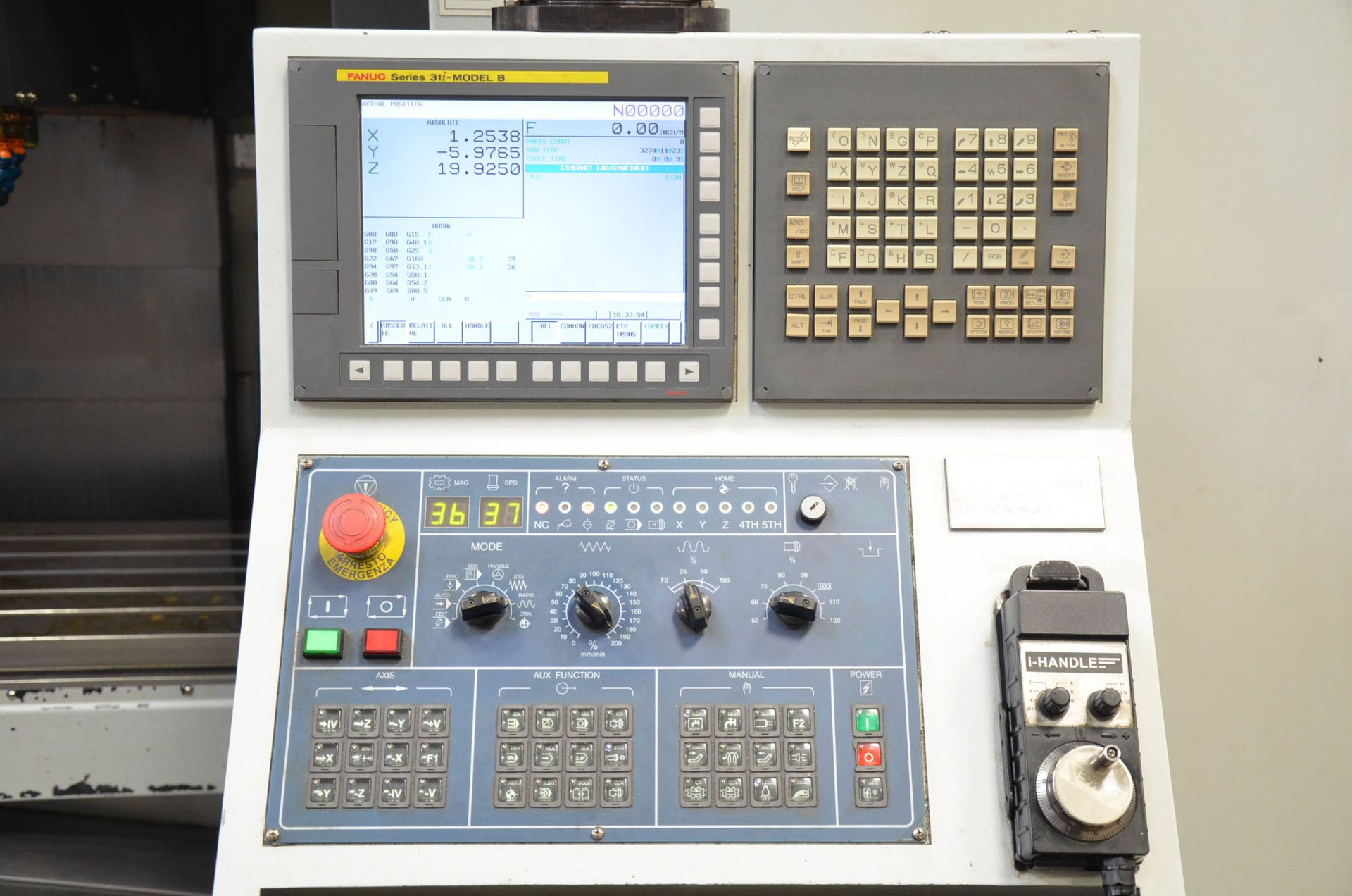 AWEA YAMA SEIKI (2012) AF-1250 CNC VERTICAL MACHINING CENTER WITH FANUC SERIES 31I-MODEL B CNC - Image 7 of 10