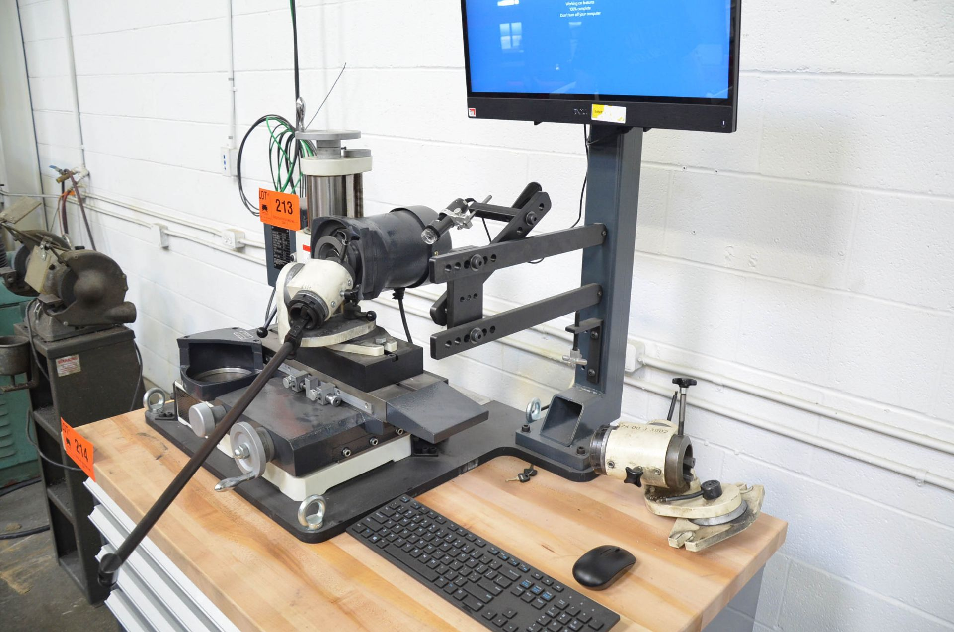 CHEVALIER (2020) FCG-610 BENCH TYPE TOOL AND CUTTER GRINDER WITH DIGITAL CAMERA INSPECTION SYSTEM, - Image 4 of 8