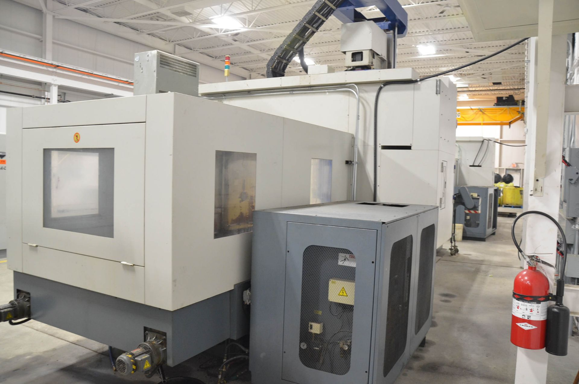 AWEA (2005) SP3016HSS GANTRY-TYPE CNC VERTICAL MACHINING CENTER WITH FANUC SERIES 18I-MB CNC - Image 4 of 12