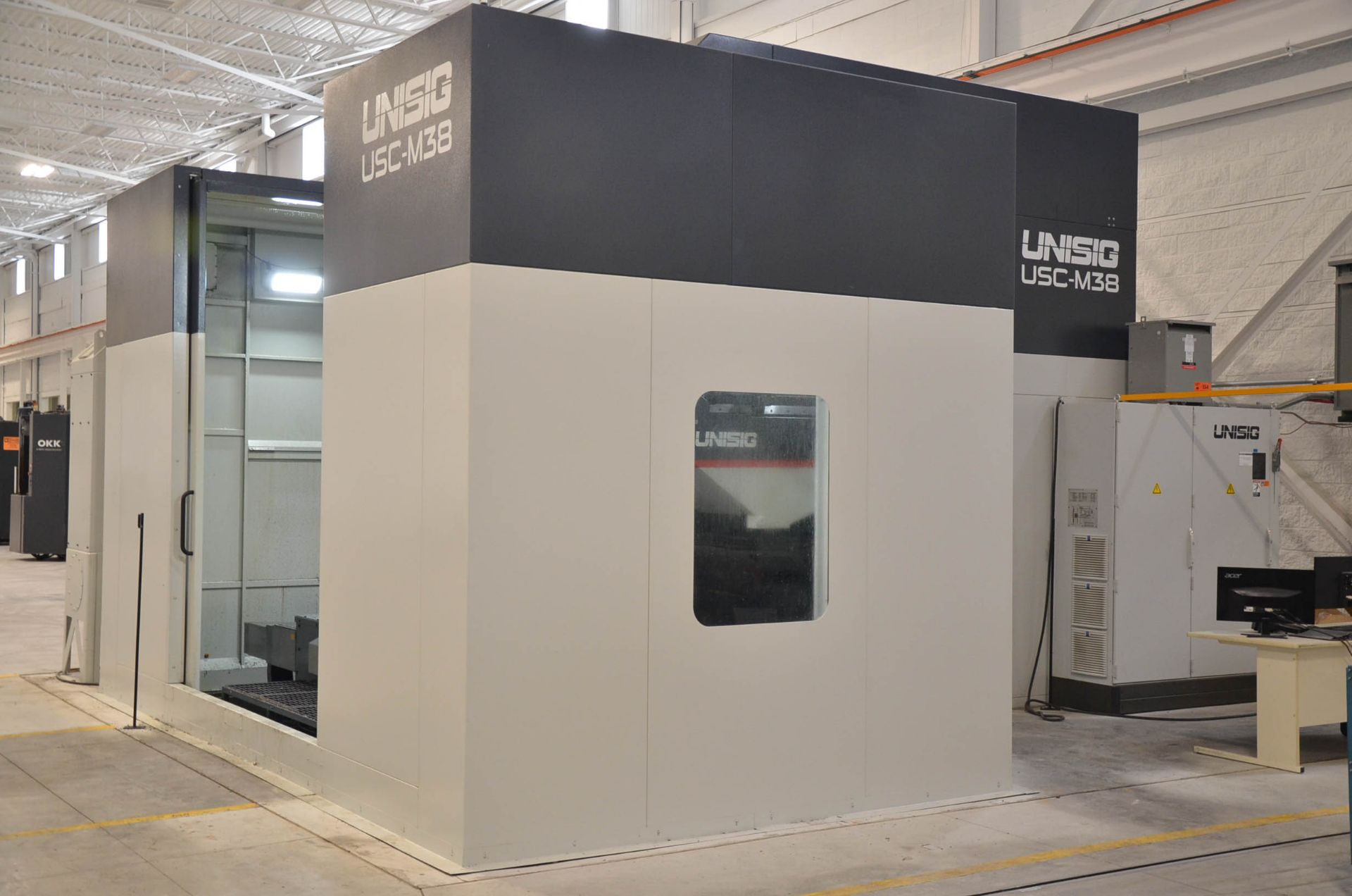 UNISIG (2020) USC-M38 5-AXIS COMBINATION CNC GUN DRILLING AND MILLING MACHINE WITH HEIDENHAIN ITNC - Image 5 of 17
