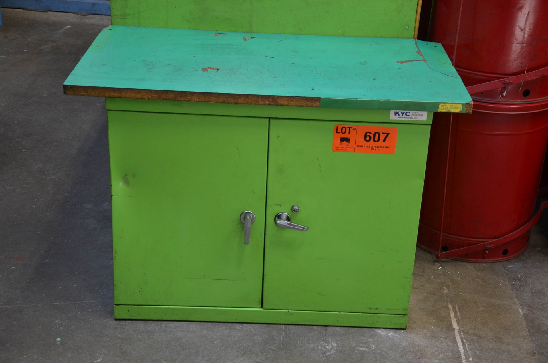 LOT/ CABINET AND CONTENTS - SPARE PARTS AND COMPONENTS