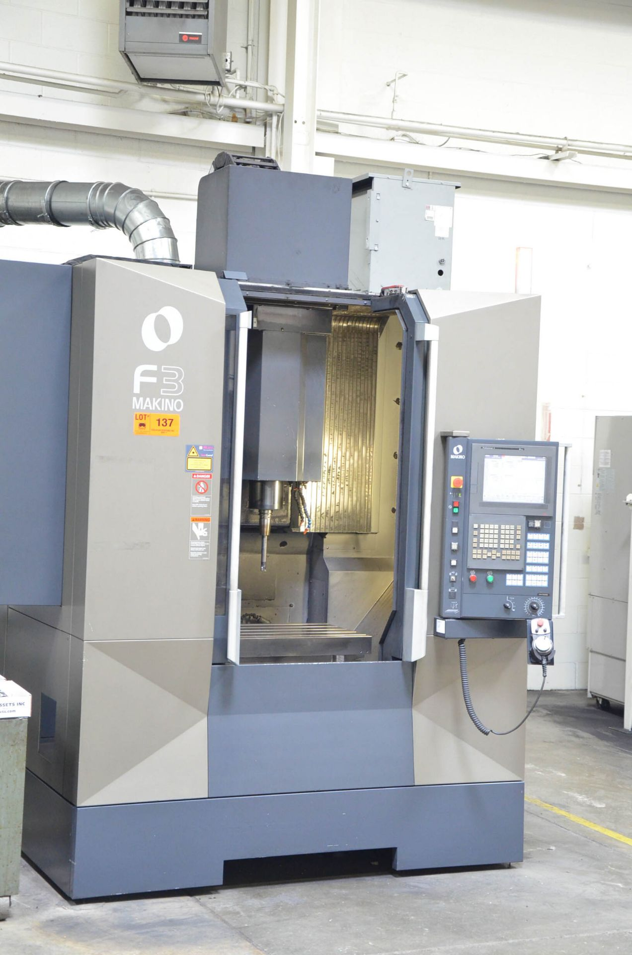 MAKINO (2012) F3 CNC VERTICAL MACHINING CENTER WITH MAKINO PROFESSIONAL 5 TOUCHSCREEN CNC CONTROL, - Image 2 of 9