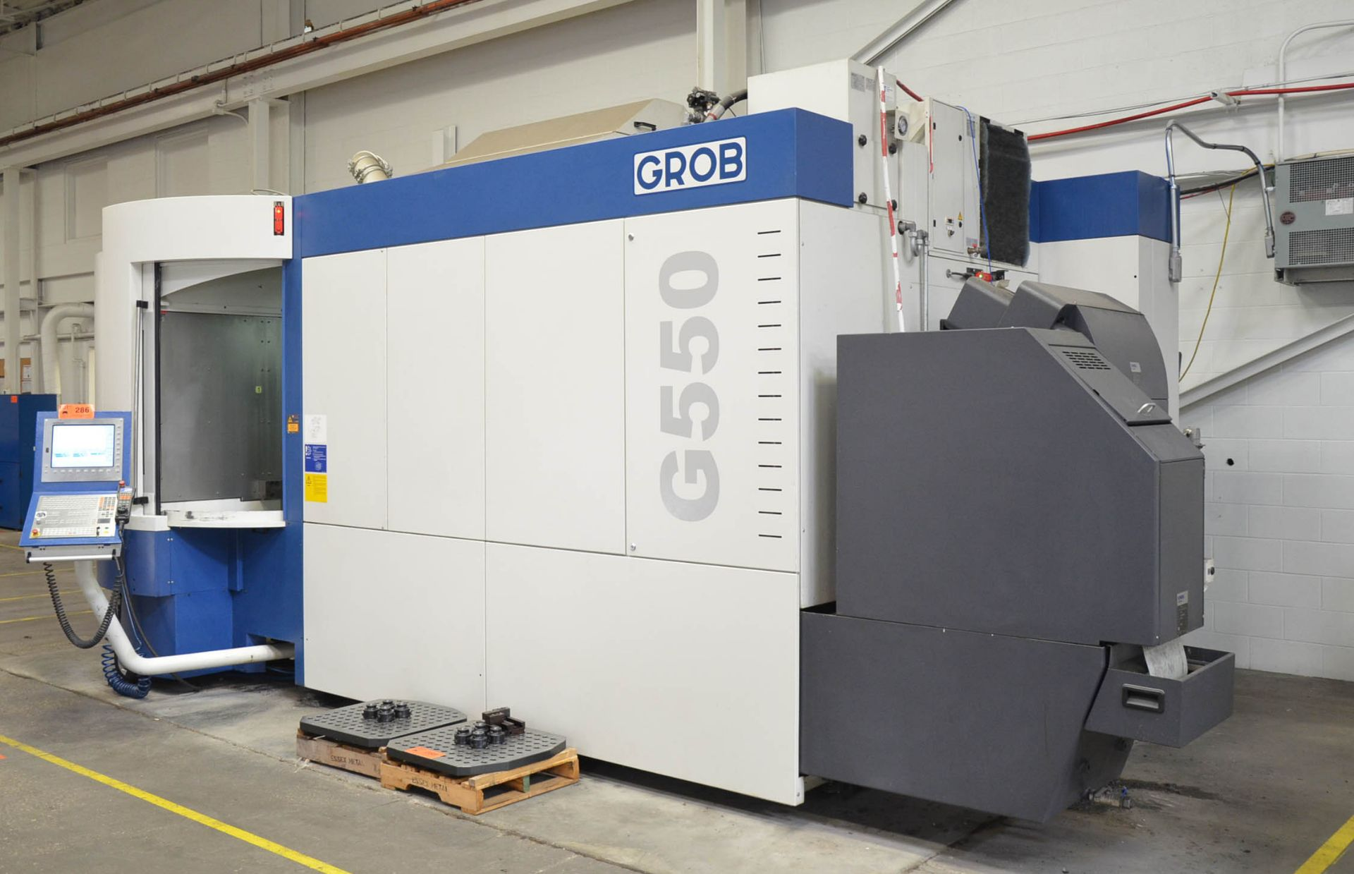 GROB (2014) G550 5-AXIS TWIN PALLET CNC MACHINING CENTER WITH HEIDENHAIN ITNC 530 CNC CONTROL, 24. - Image 3 of 13