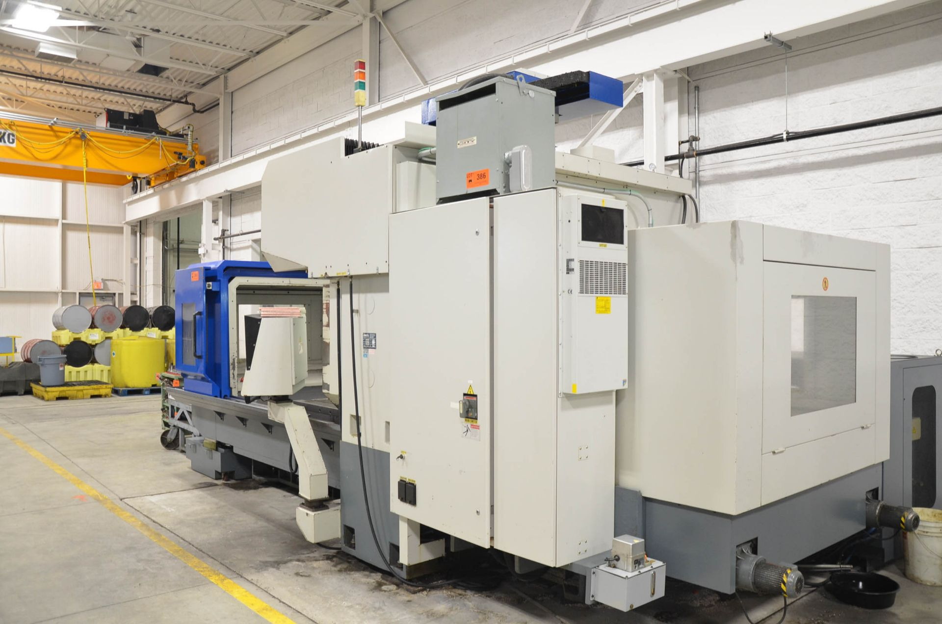 AWEA (2005) SP2016HSS GANTRY-TYPE CNC VERTICAL MACHINING CENTER WITH FANUC SERIES 18I-MB CNC - Image 4 of 11