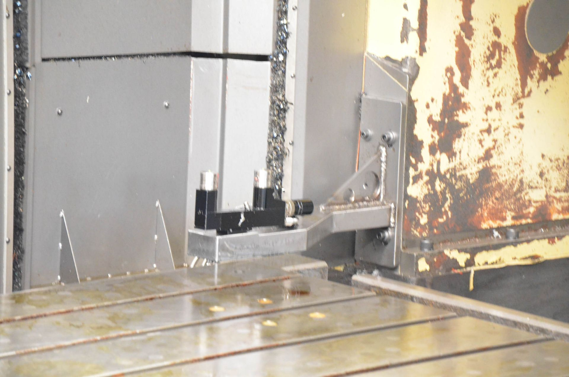 AWEA (2005) SP3016HSS GANTRY-TYPE CNC VERTICAL MACHINING CENTER WITH FANUC SERIES 18I-MB CNC - Image 9 of 12