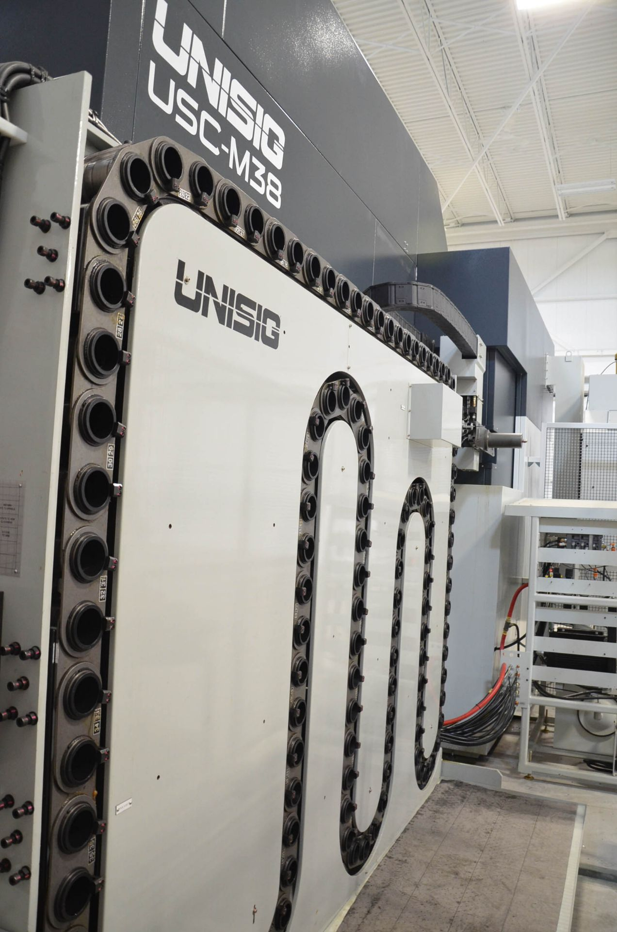 UNISIG (2020) USC-M38 5-AXIS COMBINATION CNC GUN DRILLING AND MILLING MACHINE WITH HEIDENHAIN ITNC - Image 14 of 17