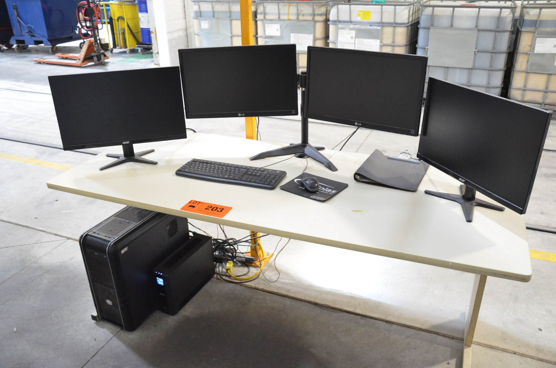 LOT/ FLAT SCREEN DISPLAYS AND DESK (NO PC) - Image 2 of 2