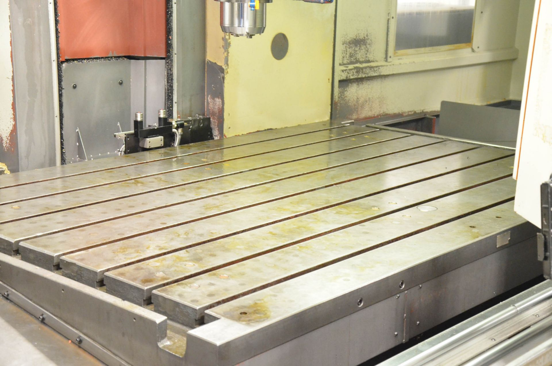 AWEA (2005) SP2016HSS GANTRY-TYPE CNC VERTICAL MACHINING CENTER WITH FANUC SERIES 18I-MB CNC - Image 8 of 11