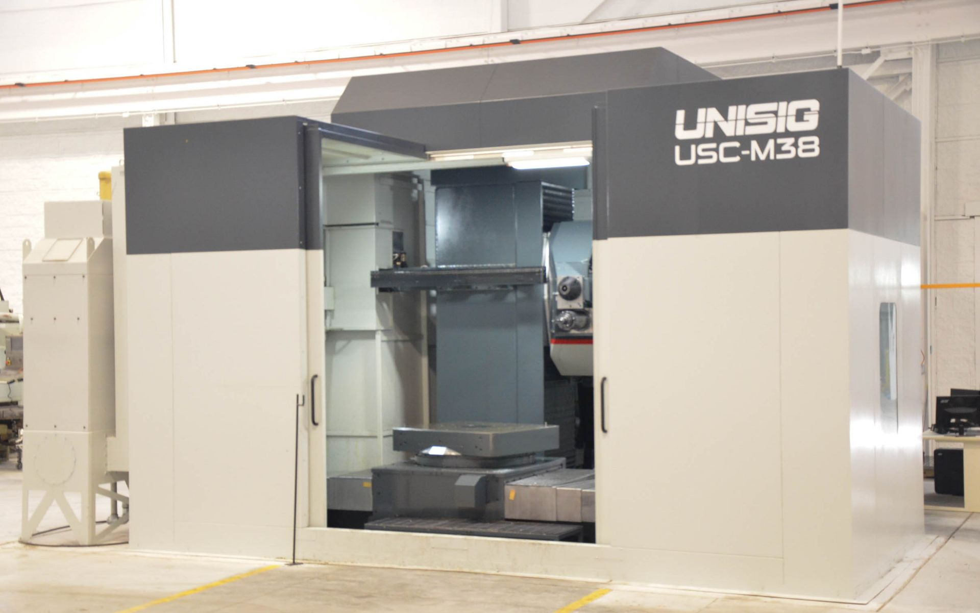 UNISIG (2020) USC-M38 5-AXIS COMBINATION CNC GUN DRILLING AND MILLING MACHINE WITH HEIDENHAIN ITNC - Image 3 of 17