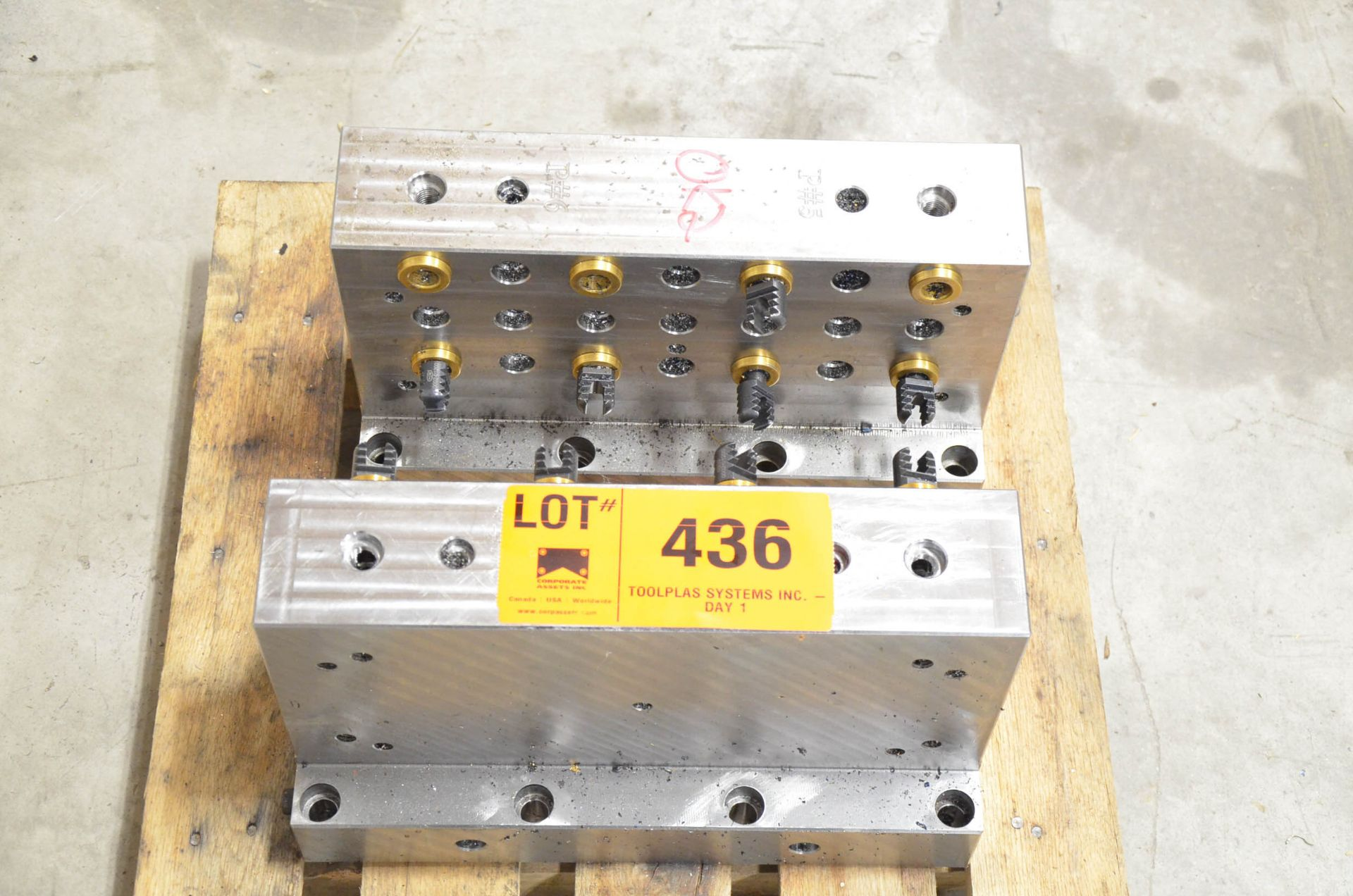 LOT/ FCS SYSTEM CLAMPING FIXTURES