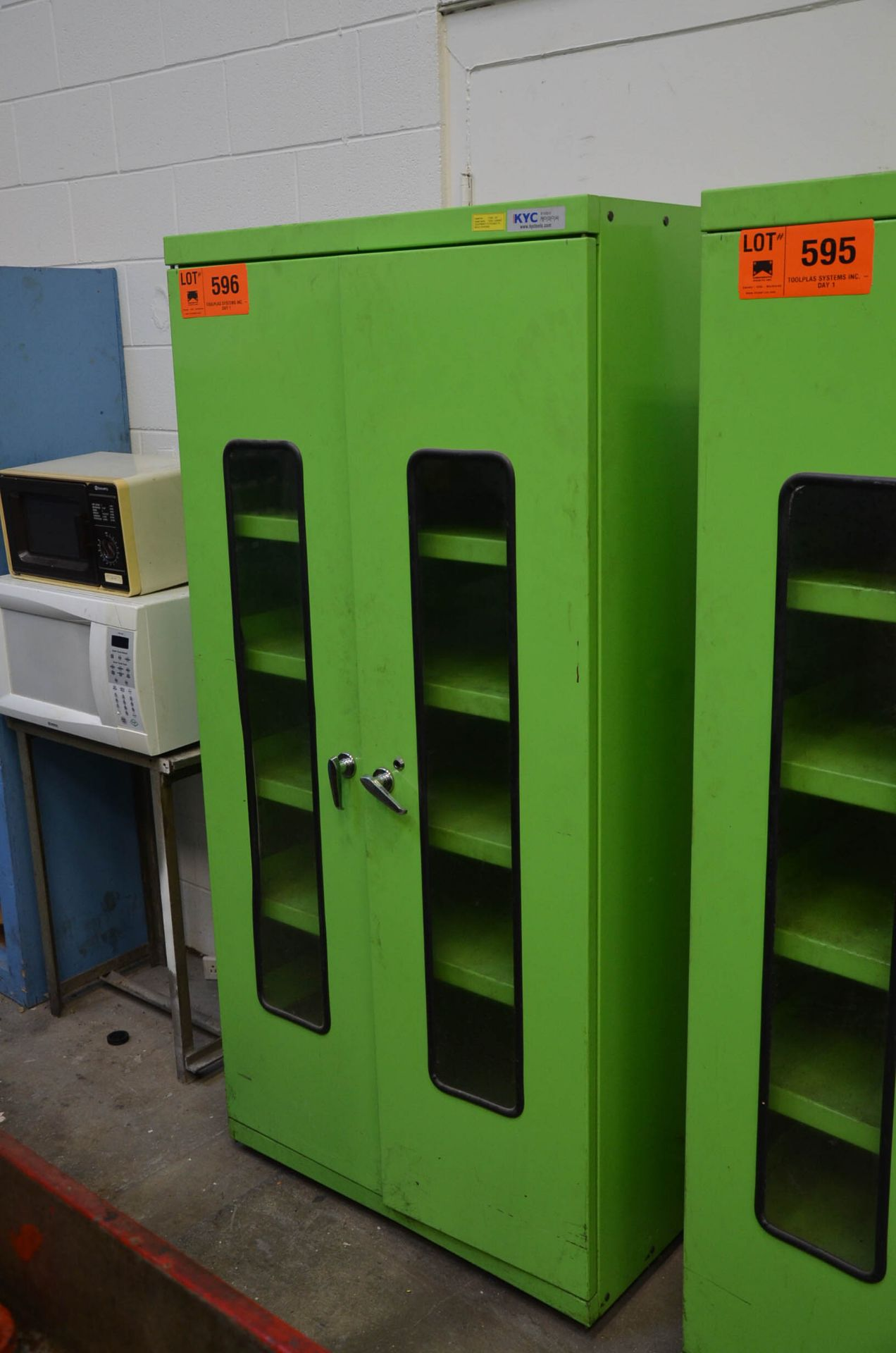 LOT/ CABINET WITH CONTENTS - PARTS AND CONSUMABLES