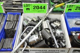 LOT/ SOCKETS AND WRENCHES