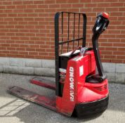 RAYMOND (2004) 102T-F45L 4500 LB. CAPACITY 24V WALK-BEHIND ELECTRIC PALLET JACK WITH CHARGER, 1431