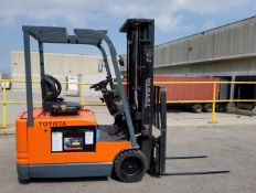 """TOYOTA 5FBEC15 3000 LB. CAPACITY 48V 3-WHEEL ELECTRIC FORKLIFT WITH 185"""" MAX. VERTICAL LIFT, 3 STAGE"""