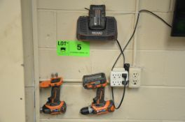 LOT/ RIDGID 18V CORDLESS DRILL AND DRIVER WITH CHARGER