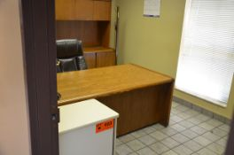 LOT/ OFFICE FURNITURE