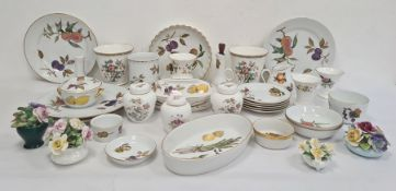 Quantity of Royal Worcester 'Evesham' pattern oven to tableware plates, serving dishes and other