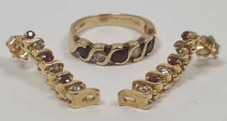 14ct gold, diamond and ruby (?) five-stone ring, marked 14ct and a pair of matching drop earrings