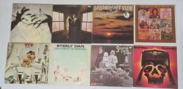 32 assorted LPsto include Pink Floyd 'Atom Heart Mother', Jethro Tull 'War Child', Pretty Things '